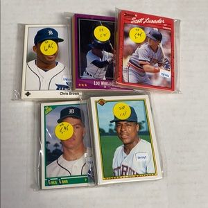 Lot of 5 Detroit tigers team sets different years